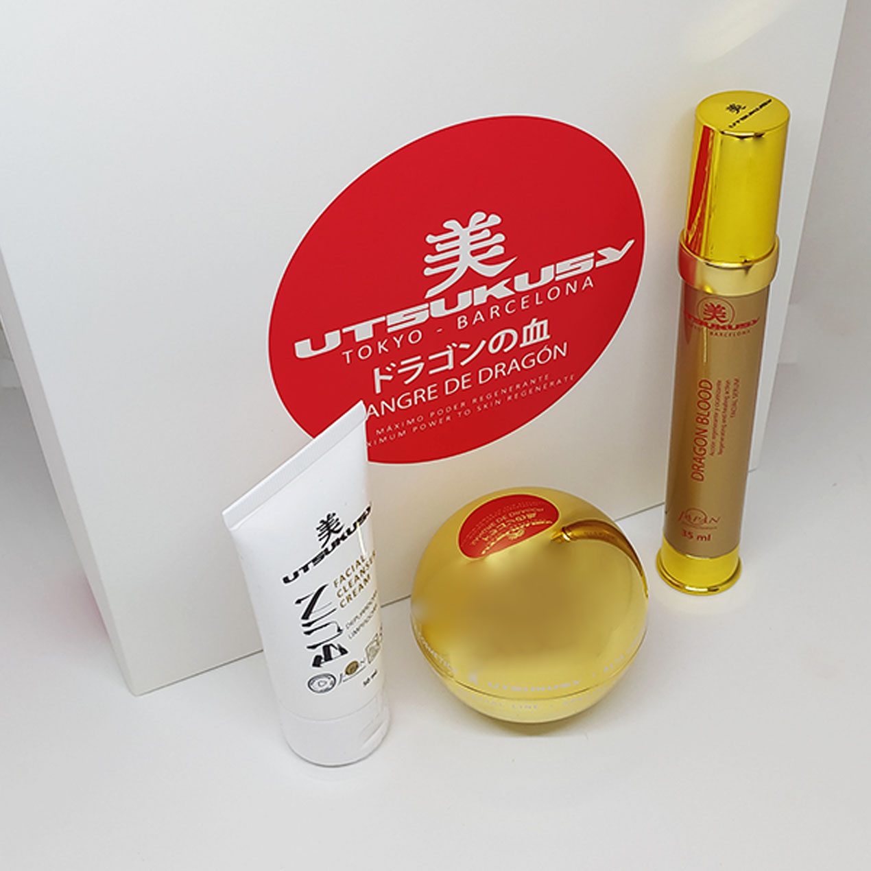 Dragon Blood Home Care Set von Utsukusy Cosmetics
